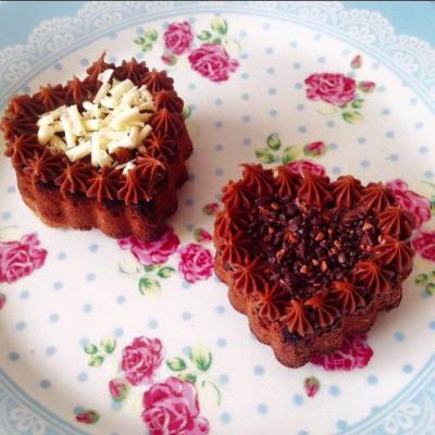 L'amour: mini bolinhos com cobertura de brigadeiro. Foto: Antoinette.